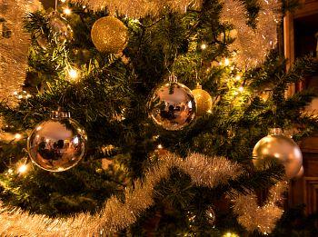 Festive atmosphere during Christmastide. Photo: flickr.com/photos/120374925@N06/16139480566