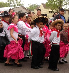 Cinco de Mayo parade. Photo: Wikimedia Commons