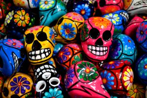 Mexican clay skulls on display for Day of the Dead. Photo: flickr.com/photos/logatfer/8819165250