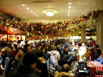 Last minute Christmas shopping on Panic Saturday. Photo: flickr.com/photos/pnoeric/17347282