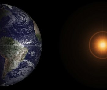 During the March equinox the Sun stands directly above the equator. Photo: NASA, flickr.com/photos/gsfc/8575328570